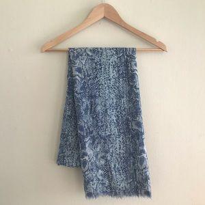 Tory Burch 100% Wool Snakeskin Blue Scarf